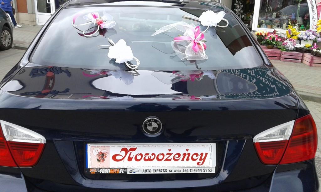 Dekoracje samochodów na ślub 7