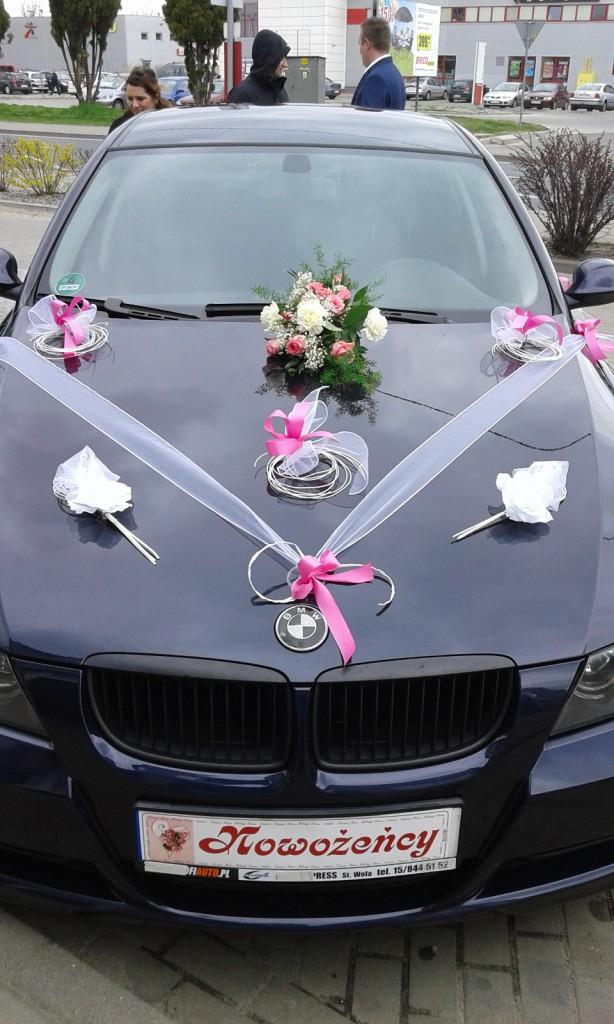 Dekoracje samochodów na ślub 8
