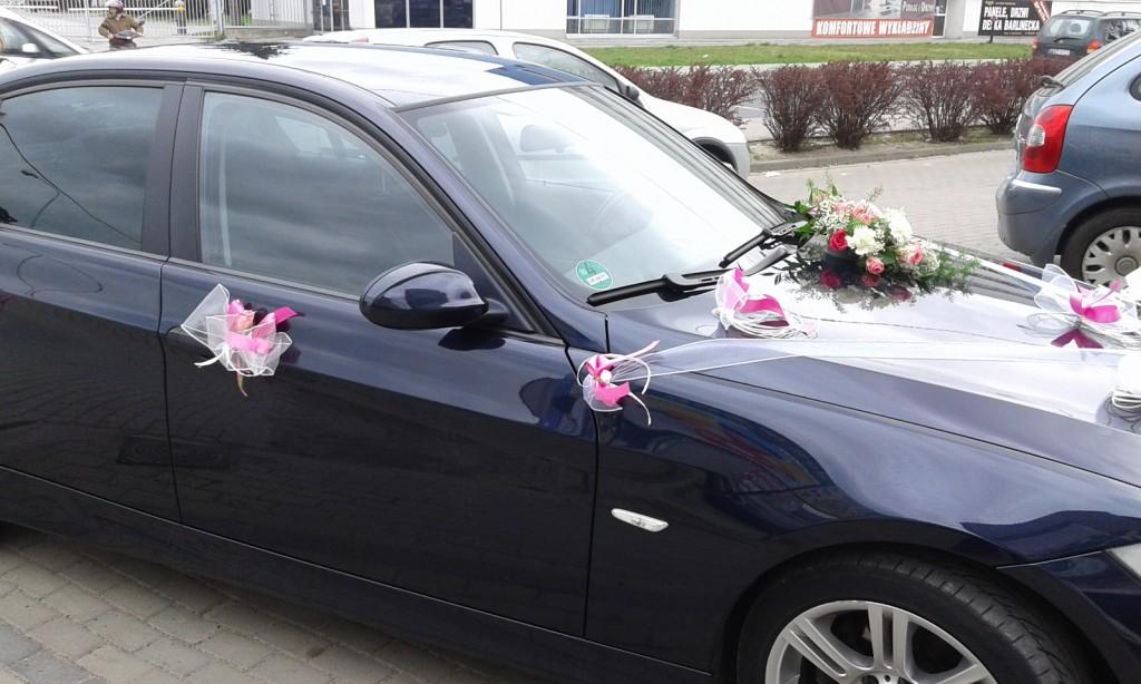 Dekoracje samochodów na ślub 6